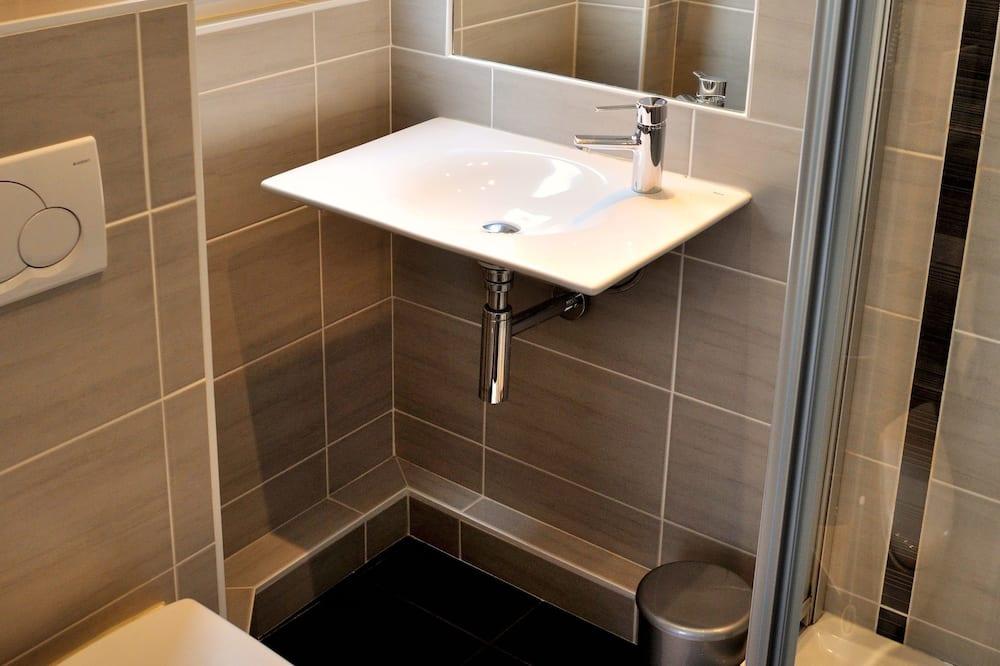 Dobbeltrom - Dusj på badet