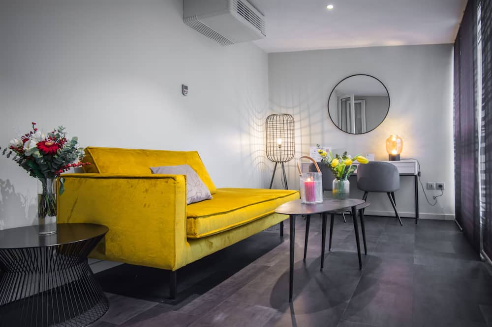 Trojlôžková izba - Obývačka
