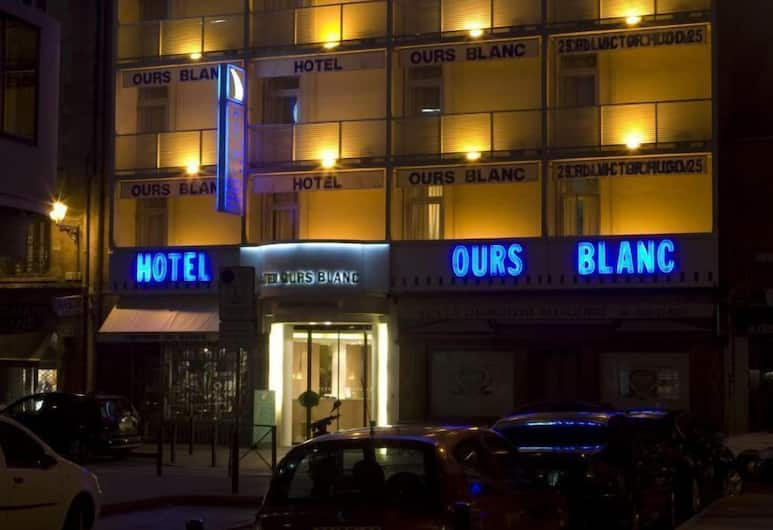 Ours Blanc - Place Victor Hugo, Toulouse, Hadapan Hotel - Petang/Malam