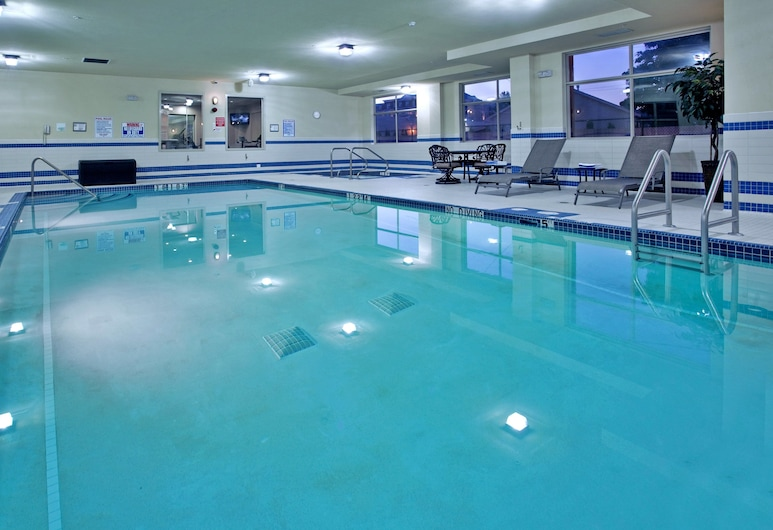 Holiday Inn Hotel & Suites Kamloops, Kamloops, Havuz