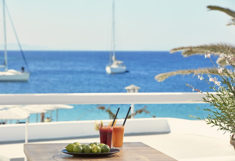 Mykonos Ammos Hotel, Μύκονος, Honeymoon Σουίτα, Μπανιέρα με Υδρομασάζ, Θέα στη Θάλασσα, Δωμάτιο επισκεπτών