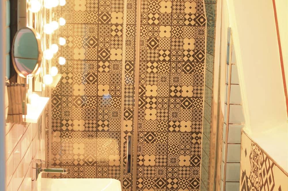 Dvojlôžková izba, vlastná kúpeľňa (with Shower) - Kúpeľňa