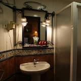 Double Room Special Sightseeing Offer (2X1 in river cruise and flamenco show) - Badeværelse