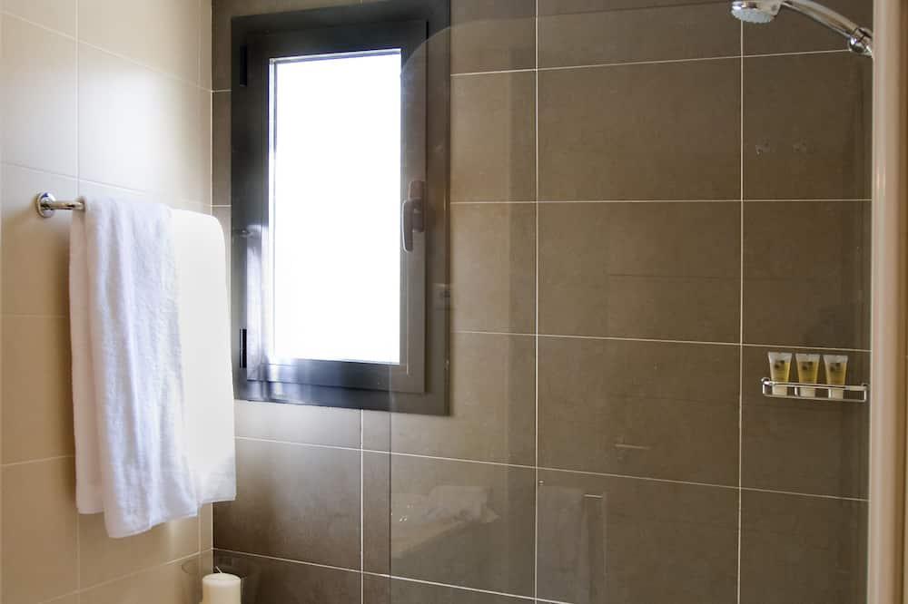 Apartment, 2 Bedrooms (TRIPLE) - Bathroom
