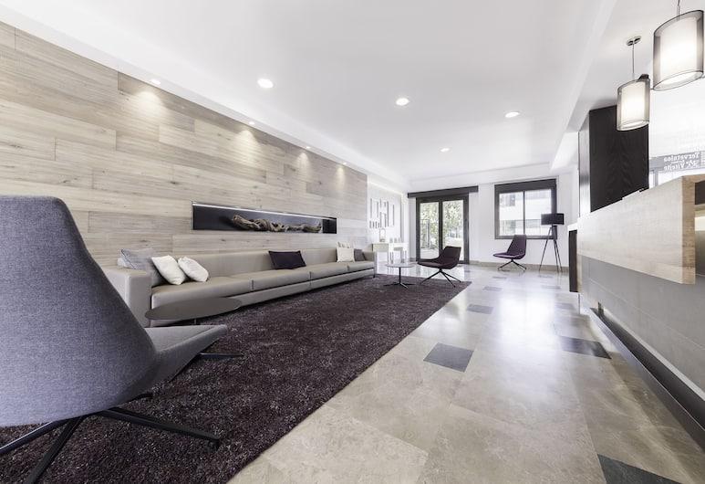 Compostela Suites Apartments, Madrid, Réception