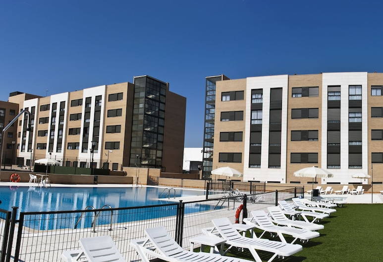 Compostela Suites Apartments, Madrid, Piscine