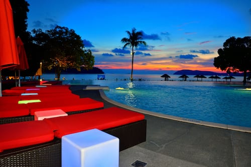 Book Holiday Villa Beach Resort & Spa Langkawi in Langkawi | Hotels.com