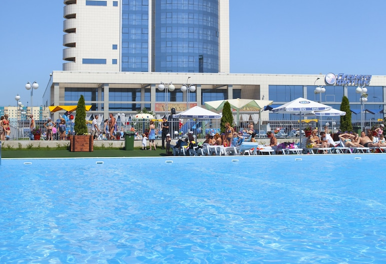 Riviera, Kazan, Pantai
