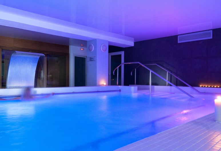 Hotel Manantial- Balneari Caldes de Boi, La Vall de Boi, Krytý bazén