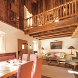Alm Suite with 2 Bedrooms, private terrace and garden - Living Area