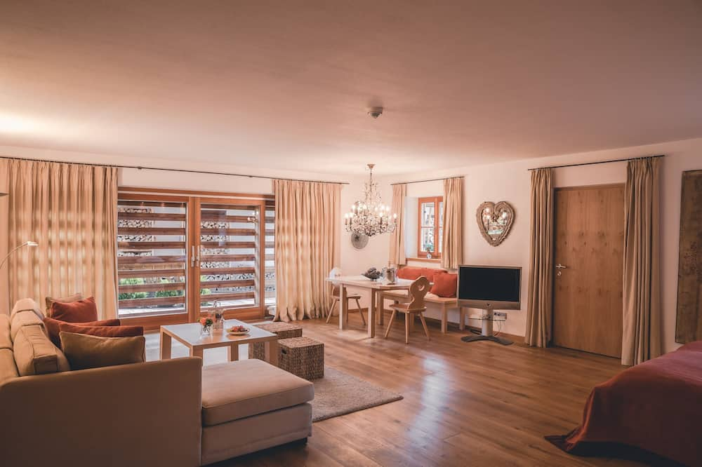 Junior Suite with park or garden view - Living Area