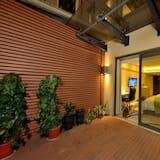 Номер, 2 односпальные кровати, вид на город - Вид на сад