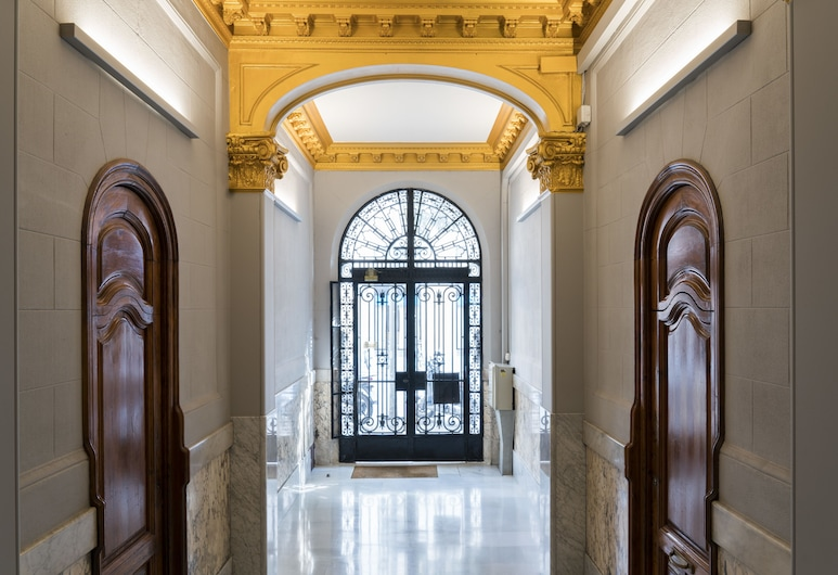 Barcelonaguest Apartments, Barcelona, Entrada interior