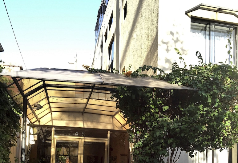 Hotel María Angola, Santiago, Hotel Entrance