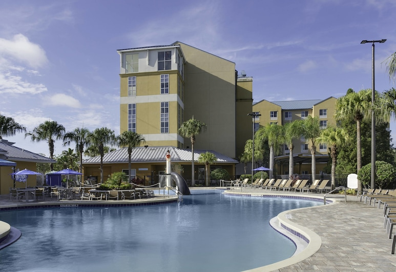 Fairfield Inn & Suites by Marriott Orlando at SeaWorld, Orlando, Outdoor Pool