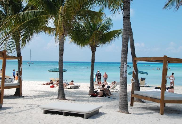 Cabanas Maria del Mar, Isla Mujeres, Beach