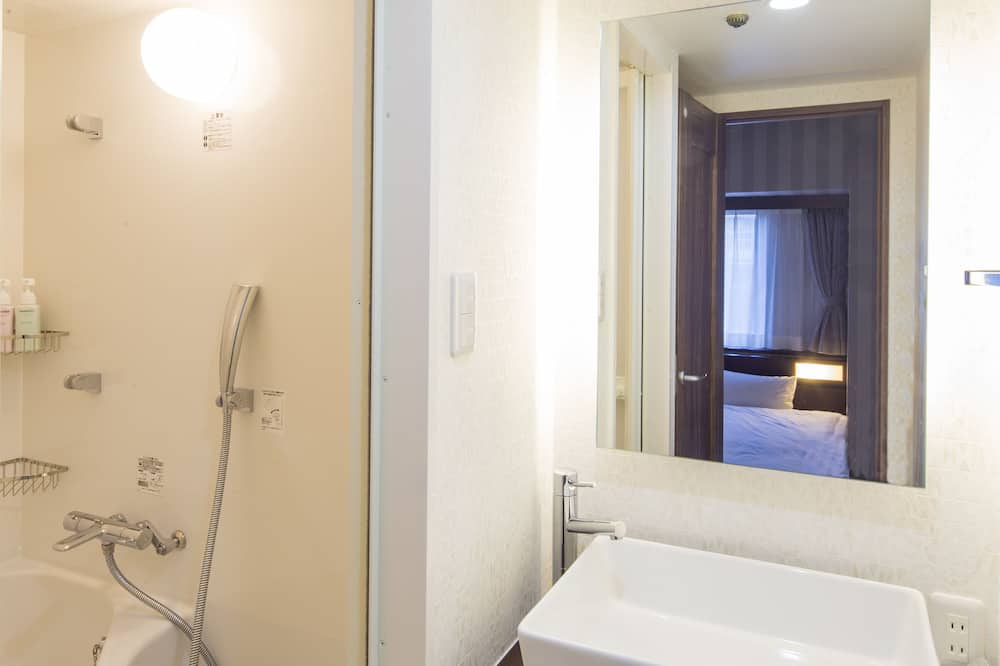 [Available only Foreigner] Premium Twin Room, Non Smoking - Bathroom