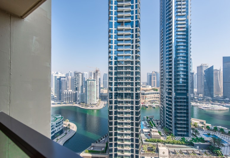 Suha JBR Hotel Apartments , Jumeirah Beach Residence, Dubai, Two Bedroom Apartment Marina View, Blick vom Balkon