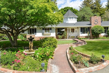 Picture of Napa Valley Bed and Breakfast Stahlecker House in Napa