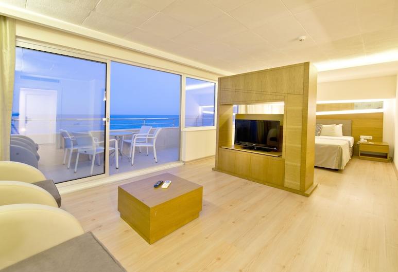 Sealife Family Resort Hotel, Коньяалты, Люкс, вид на море, Зона гостиной