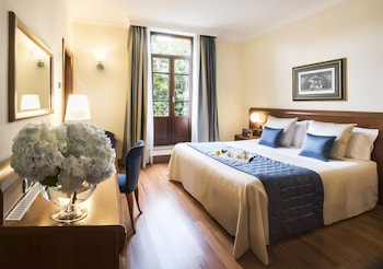 Choose This Romantique Hotel in Rome -  - Online Room Reservations