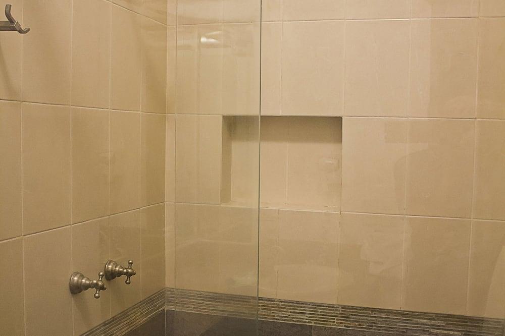 Стандартний номер-люкс, 1 двоспальне ліжко - Ванна кімната