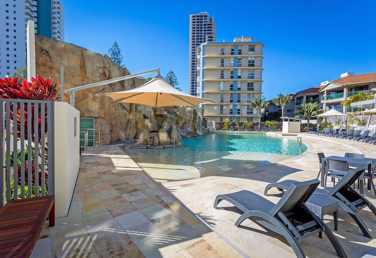 Mantra Wings, Surfers Paradise, Outdoor Pool