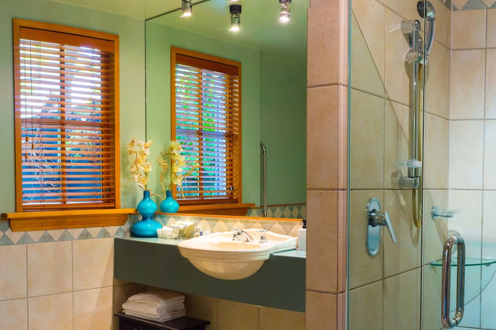 Premier Double Room (Taste NZ Package) - Bathroom