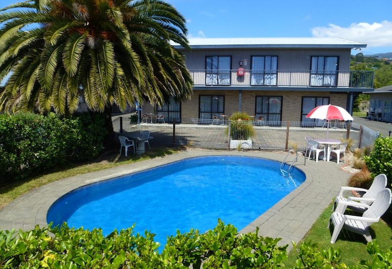 Balmoral Motel, Nelson, Pool
