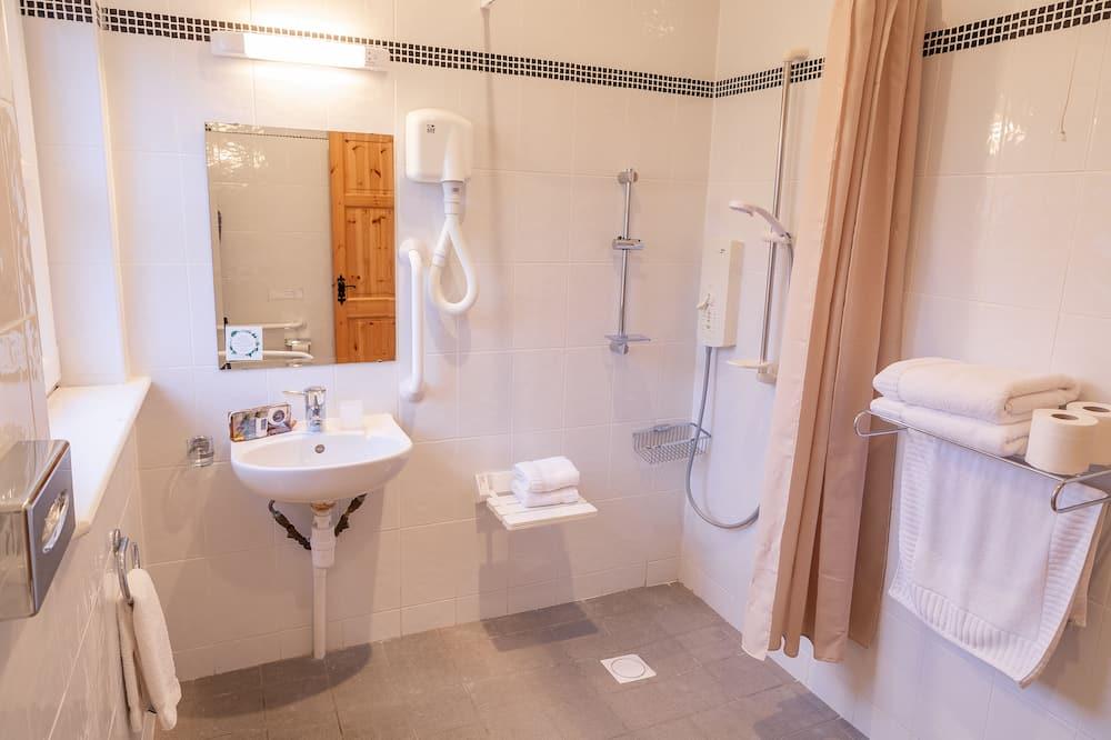 Ferienhaus, barrierefrei, eigenes Bad (Accessible) - Badezimmer