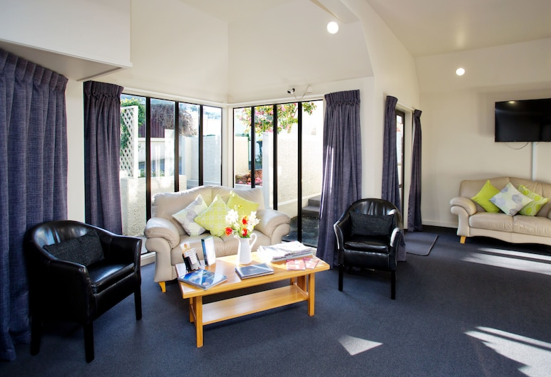 Cable Court Motel, Dunedin, Reception