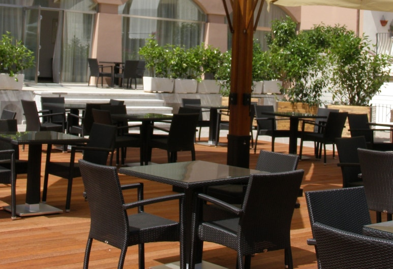 Hotel For You, Olbia, Terasa