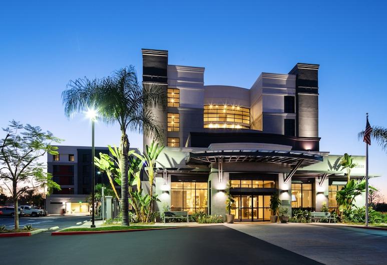 Hilton Garden Inn Irvine Spectrum Lake Forest, Lake Forest, Hotel Front – Evening/Night