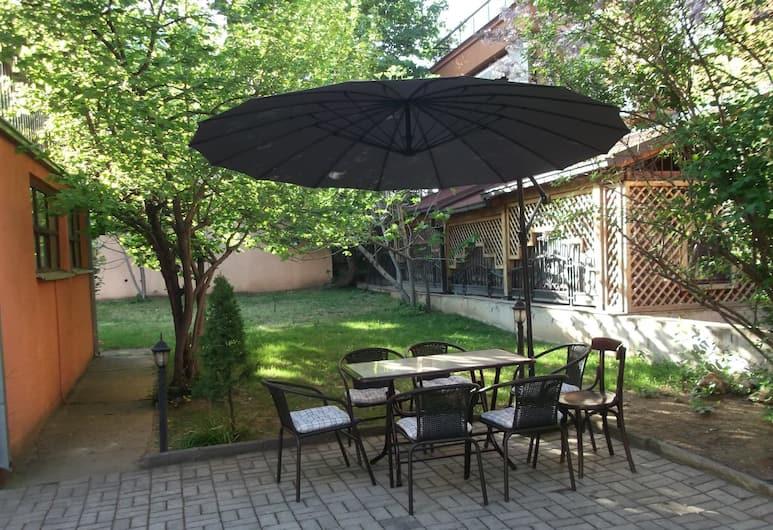 Hotel Vila Silia, Skopje, Outdoor Dining