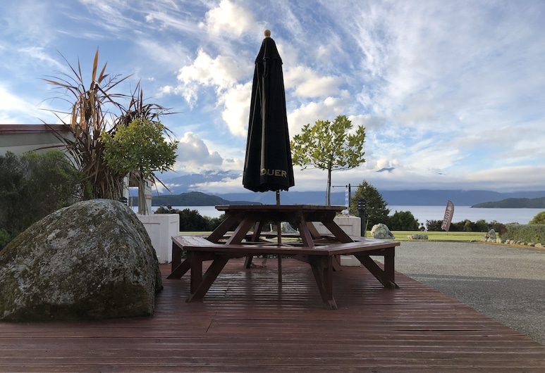 Manapouri Lakeview Motor Inn, Manapouri, Deluxe Studio, 1 King Bed, Lake View, Guest Room