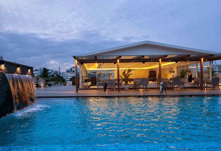 The Grand Magrath Hotel, Bengaluru, Pool