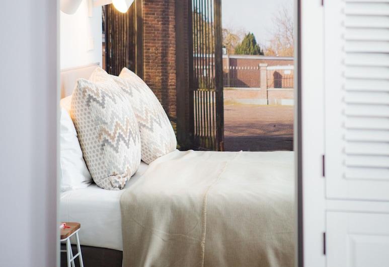 Stadsvilla Hotel Mozaic Den Haag, The Hague, Deluxe Double Room, Guest Room