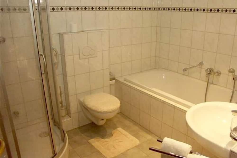 Premium-Doppelzimmer - Badezimmer