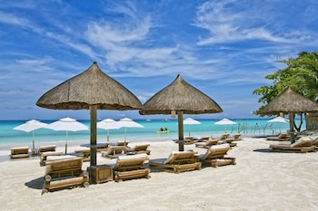 Enter your dates for our Boracay Island last minute prices