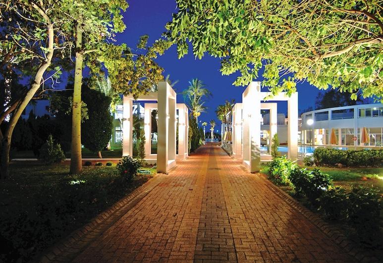 Club Kastalia Holiday Village - All Inclusive , Alanya, Patio