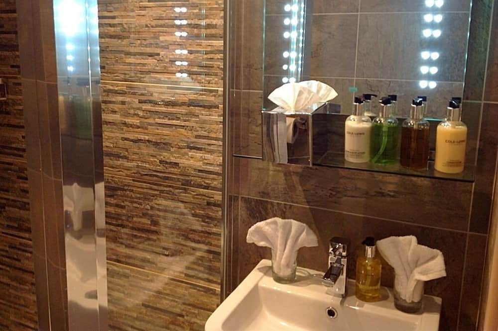 Huoneisto, Makuuhuoneen yhteydessä oleva kylpyhuone (Garden Suite 2) - Kylpyhuone
