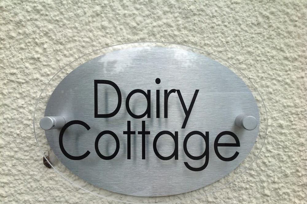 Huvila, Makuuhuoneen yhteydessä oleva kylpyhuone (Dairy Cottage) - Ulkopuoli