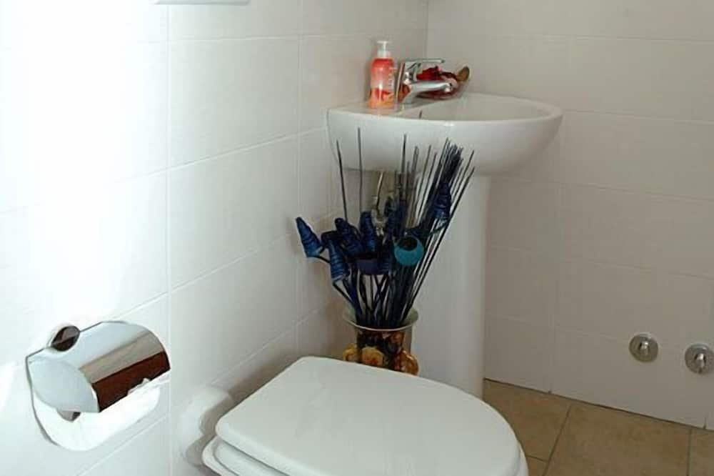 Δίκλινο Δωμάτιο (Double) (Double Single Use) - Μπάνιο
