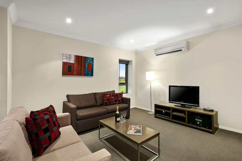 First Class Business Saver - Living Area