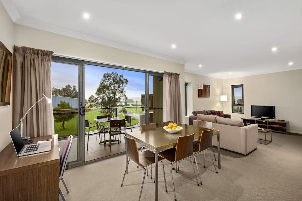 Family Apartment, 3 Bedrooms - Living Area