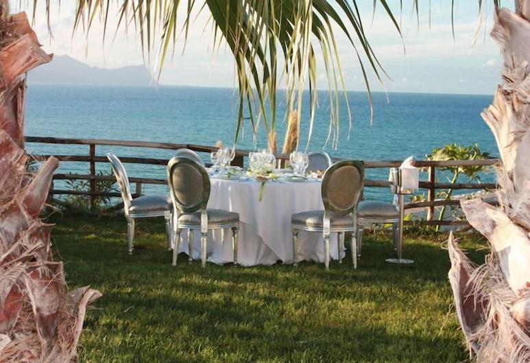 Marina Holiday Resort & Spa, Balestrate, Restaurante al aire libre