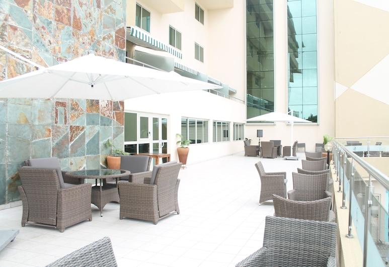 Alisa Hotel North Ridge, Accra, Teres/Laman Dalam