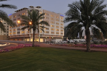 Enter your dates for our Muscat last minute prices