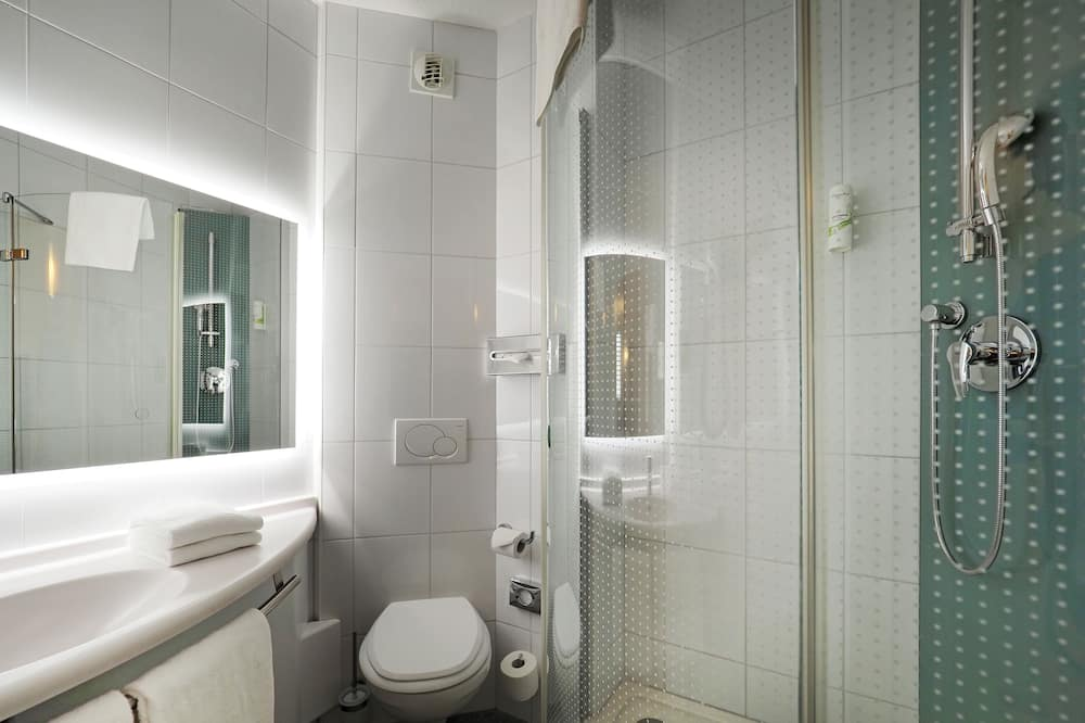 Oda, 2 Tek Kişilik Yatak - Banyo