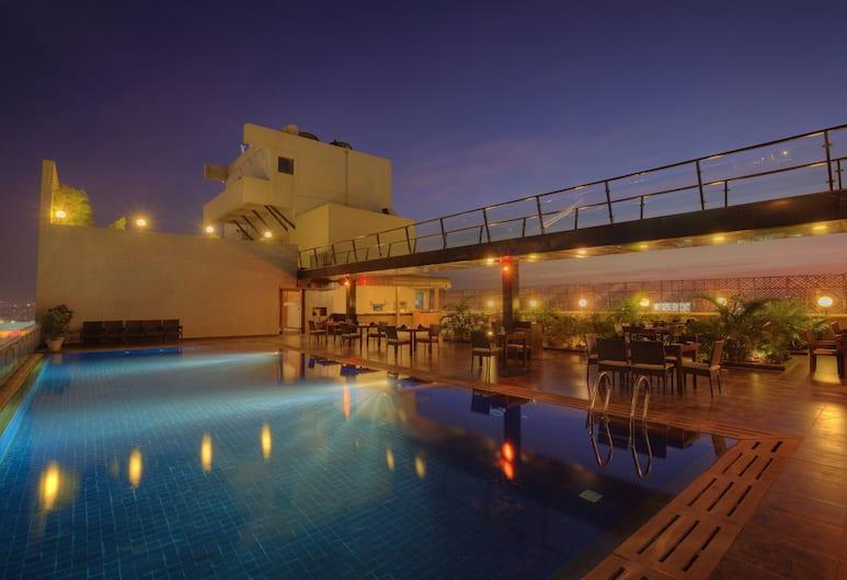 Keys Prima Hotel Parc Estique, Pune, Pool